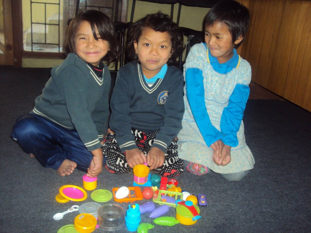 Protect orphans and abandoned children in Nepal