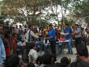 Sunil receiving a sports prize in 2014