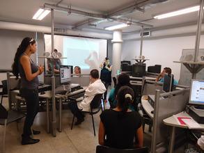 Alejandra teaching her ICT course