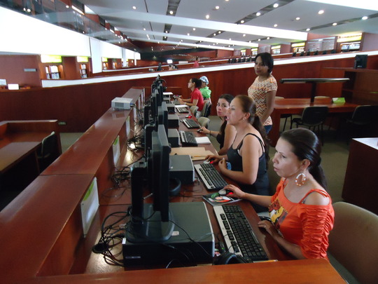 Young women entrepreneurs learning digital skills!