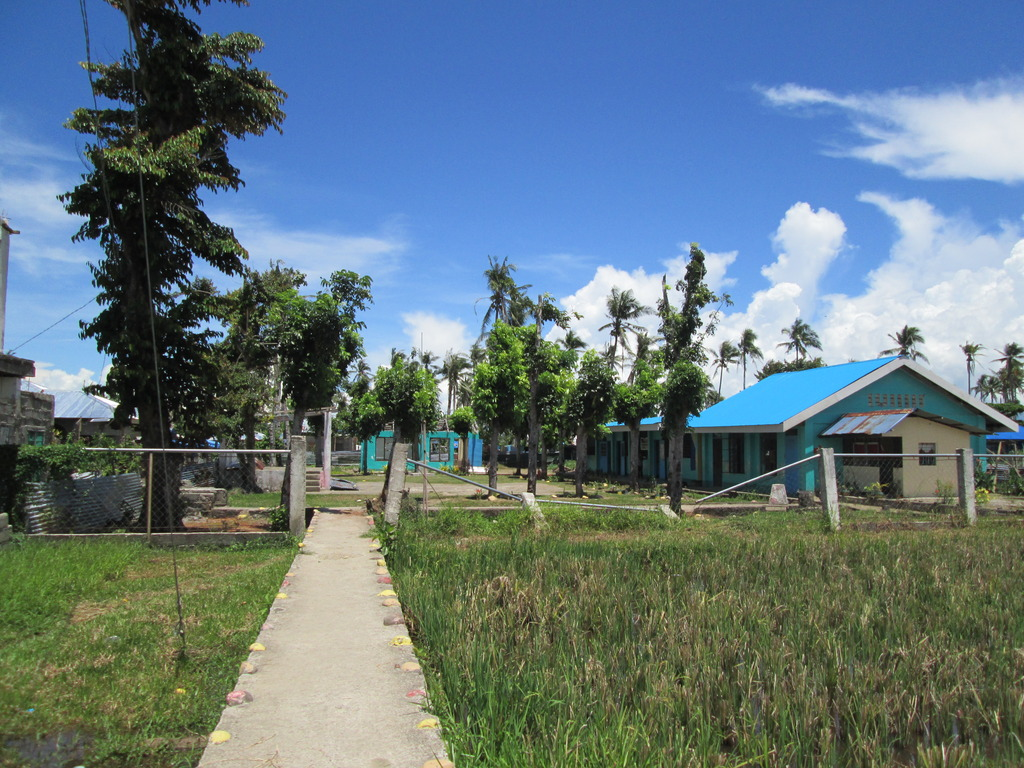 Approach to Picas Elementary School