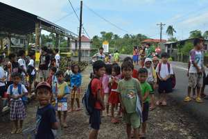 school children in Borongan, Samar