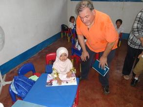 Al Santoli with kindergarten child, Asturias ES