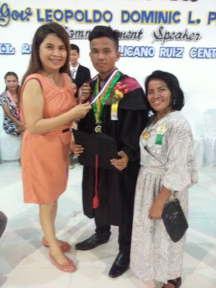 Scholar Bonifacio w Mom, BS Mech Engineering