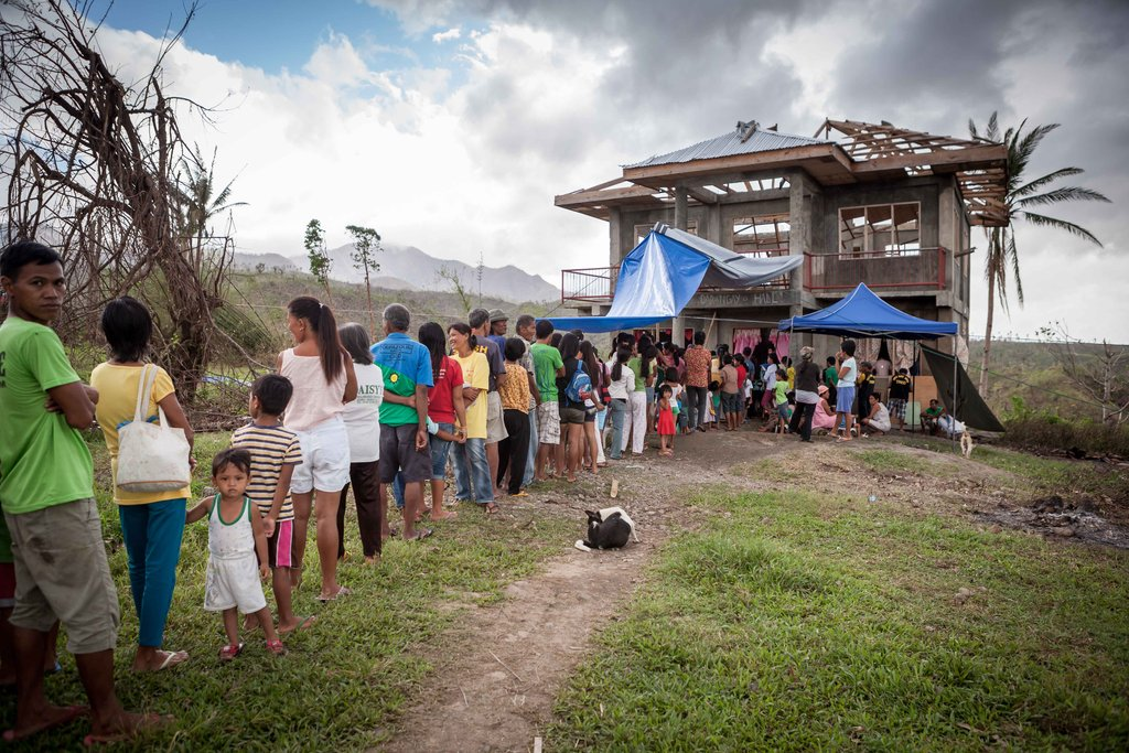 Aid to the Philippines after Typhoon Yolanda
