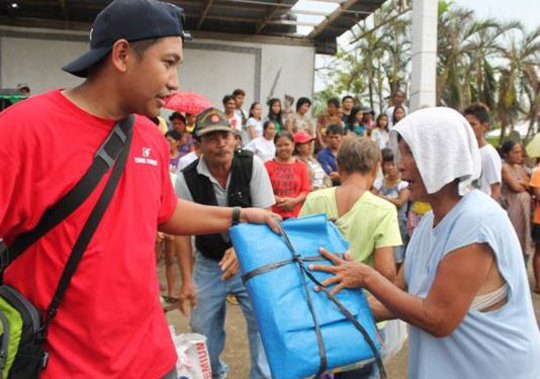 Emergency relief packs distribution