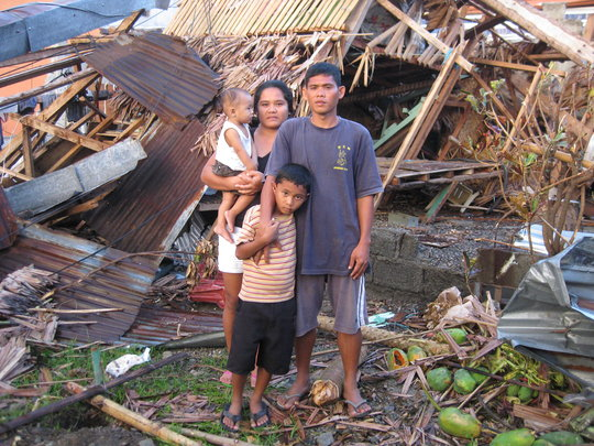Rescue Families Affected by Super Typhoon Haiyan