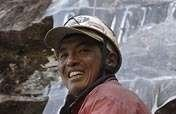 Increase safety and incomes for Nepal climbers