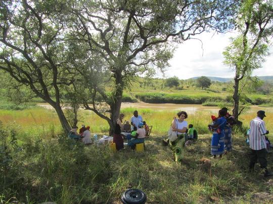 Open air clinic in Siajumba