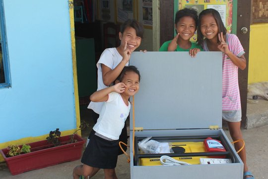 These kids will have light during typhoons!