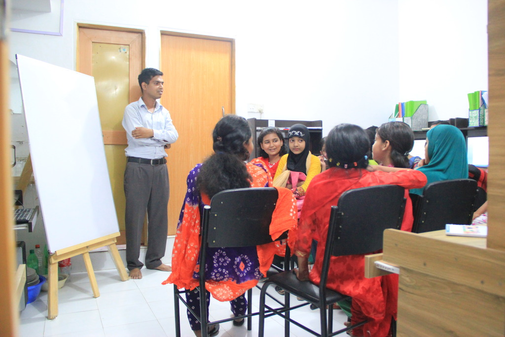 Computer classes at Spreeha