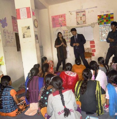 Professionals giving talk at Jodhpur Centre