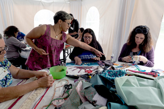 Monaeka Flores leads creation of collaborative art