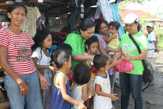 Food packs distribution