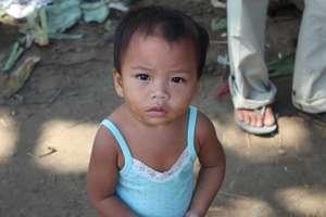 Emergency Food Packs for Typhoon Haiyan Survivors