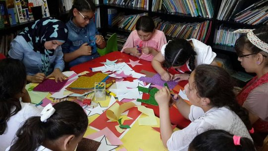 Arts & crafts at the library in Silwan