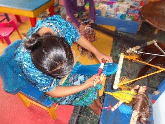 Women in action (Xolsacmalja, Totonicapan)
