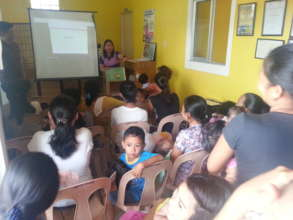 Mothers crowding into teachings at clinic