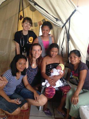 Baby born in tent in aftermath of Haiyan disaster