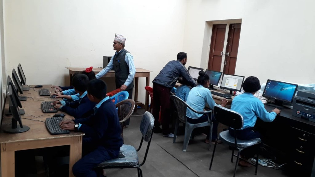 A fully functional computer lab in Keraunja