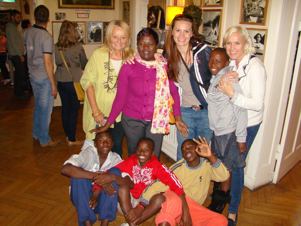 Send 6 Zimbabwean orphans to Poland Arts Festival