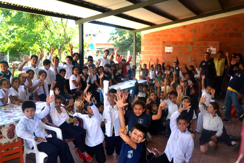 Help 1300 children from floods in Paraguay