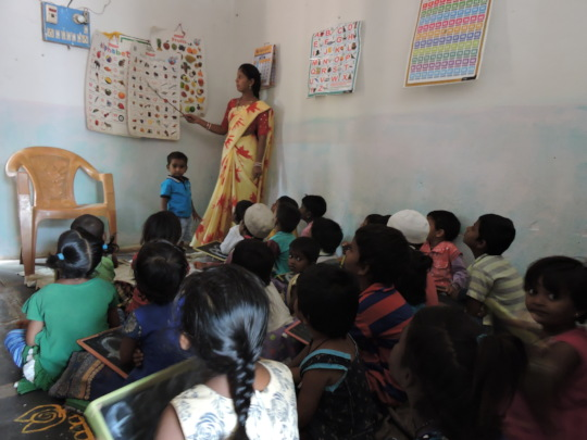 Creche Center Children learning excellenteducation