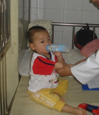 Provide Vietnamese Nurses with Medical Equipment