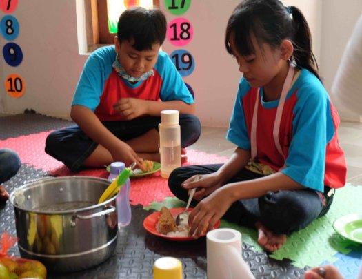 Lunch after helping kindergarten teachers