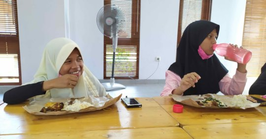 Lunch after learning and fun game