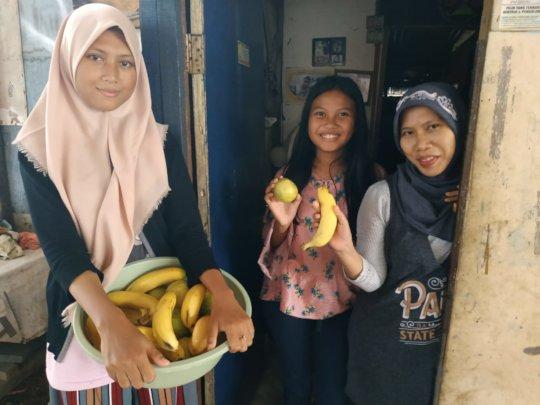 Delivering fruits