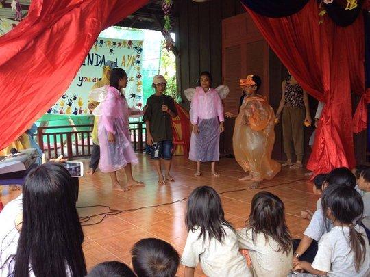 LKC kids in 1st musical-Savann the Moon Catcher!