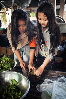 Sharing in food preparation duty
