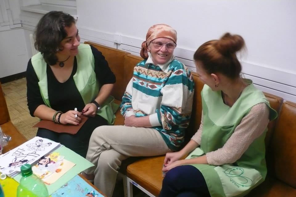 Help cancer patients in a care center in Slovakia