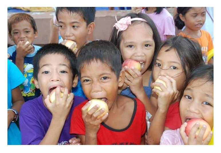 Get 5,000 Poor Filipino Children To Eat Apples