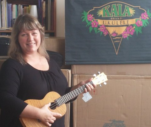 Melissa with a Kala Ukulele for Los Angeles!