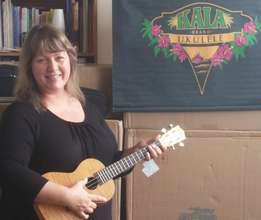 Melissa with a Kala Ukulele for Los Angeles!