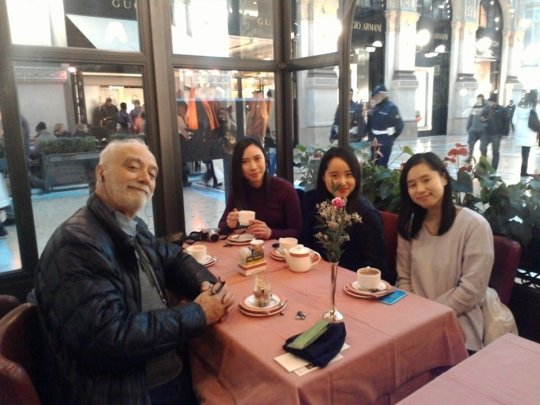 Cafe in Italy with Tour Guide