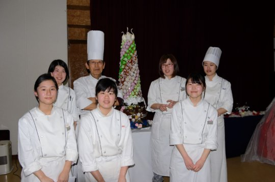Ayaka and Ikumi (first two on left in front row)