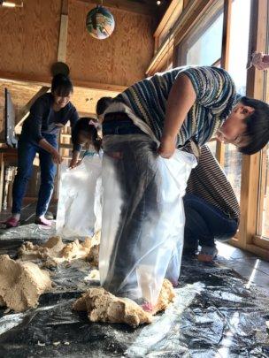 Ogatsu elementary school children making miso