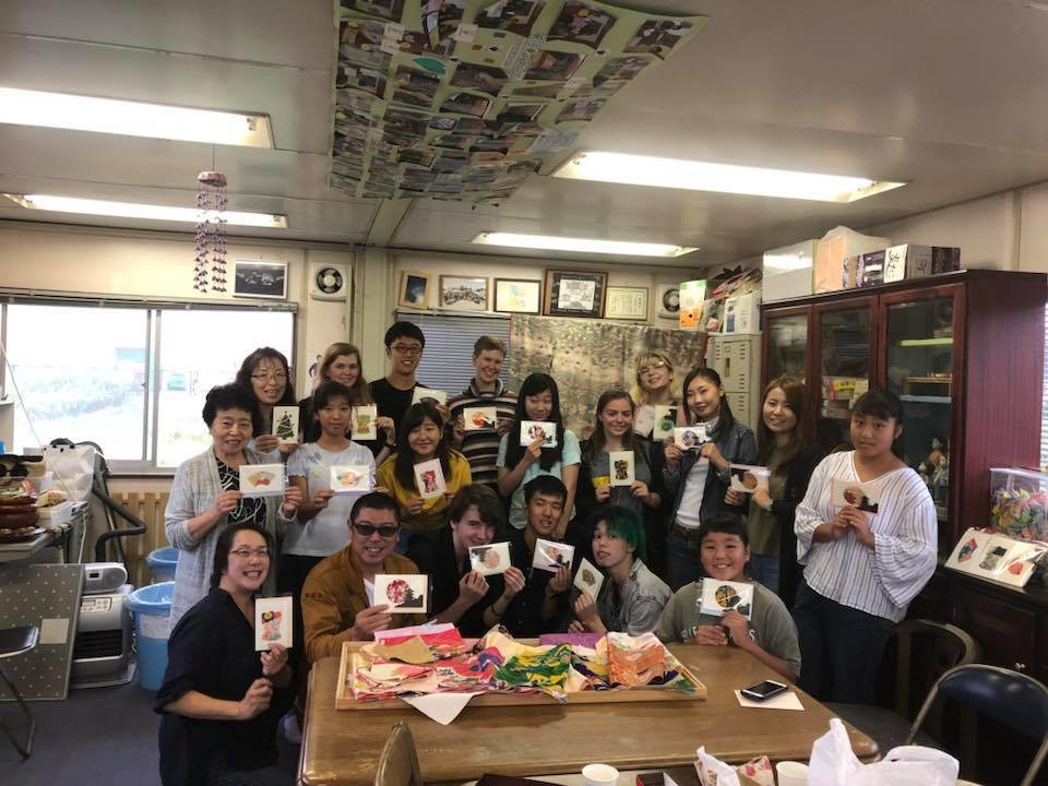 Making Ishinomakimono Cards!