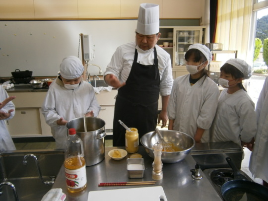 Students Cooking Oysters with Chef