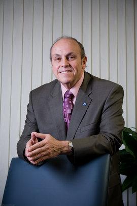Dr. Ricardo R. Fernandez
