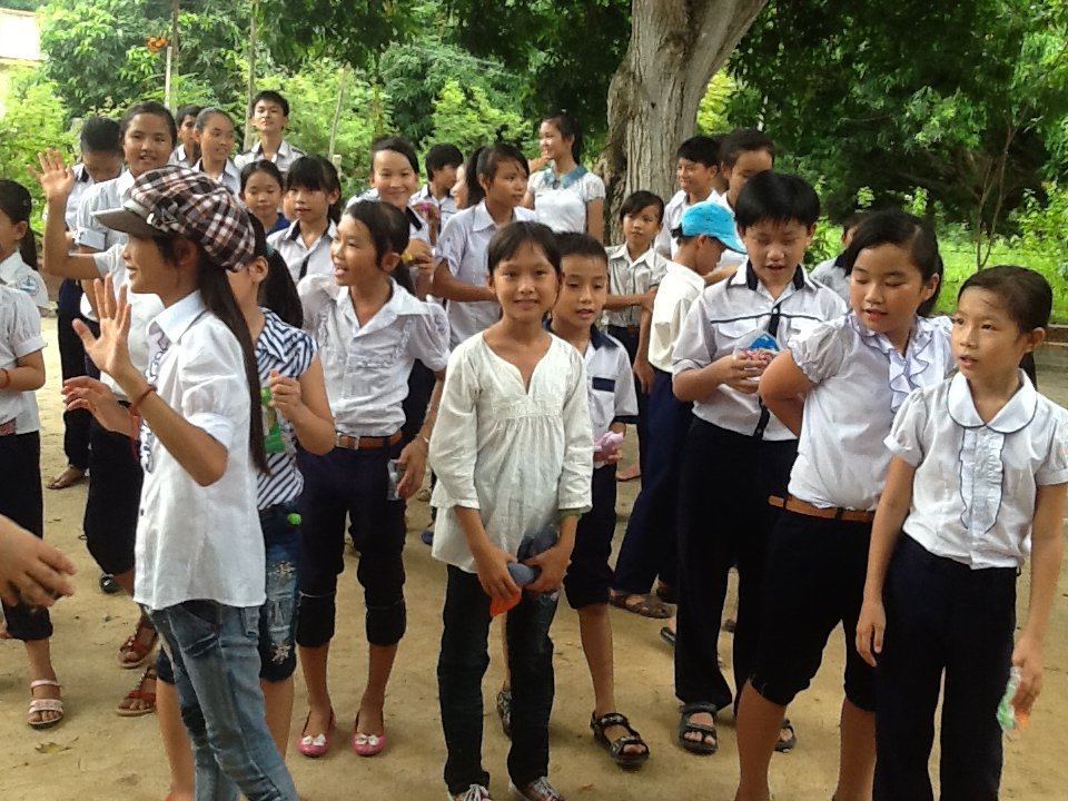 Give a Future to 100 Kids in Vietnam