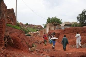 Health care for 30,000 slum residents in Mali