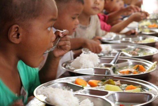Hot lunches for disadvantaged children