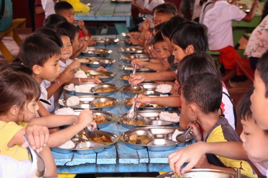 Free meals for hundreds of hungy children