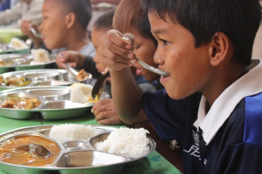 Providing nutrition for 400-500 children and youth