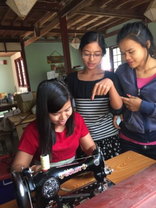 Advanced sewing training for trainers