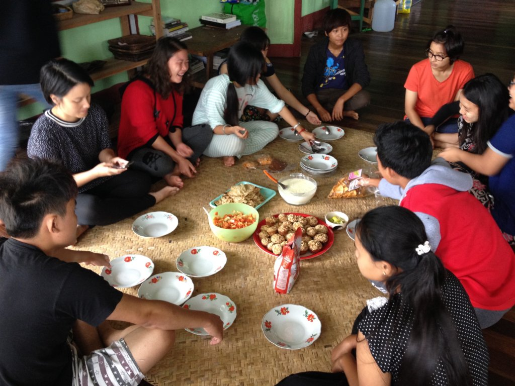 Experiential learning through shared meals
